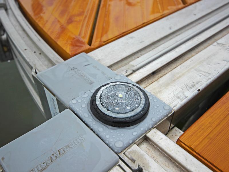 solar-dock-lights