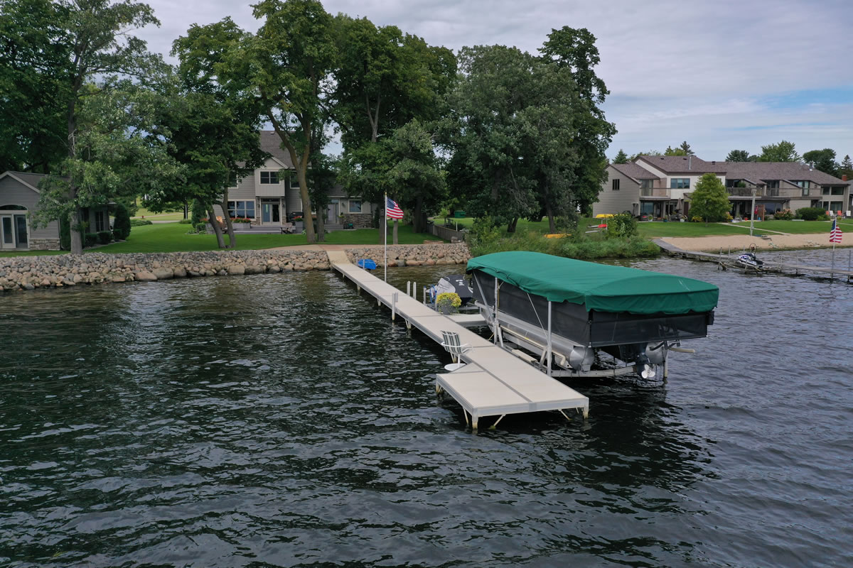 shorestation-pontoon-lift-02